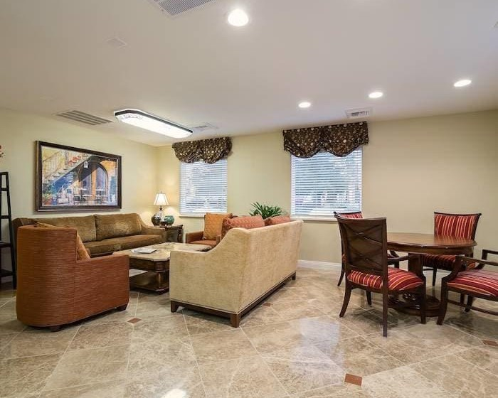 Shared resident lounge at Pacifica Senior Living Vacaville in Vacaville, California