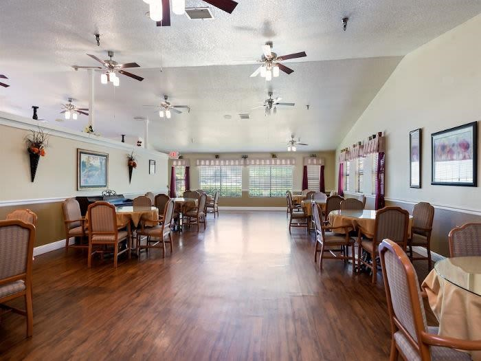 Charming Apartment Living at Valley Crest Memory Care, Apple Valley