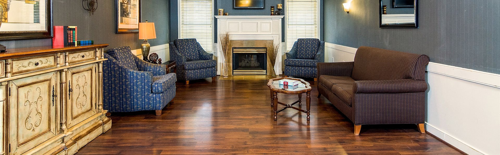 Lively Living Rooms at Pacifica Senior Living Victoria Court, Rhode Island
