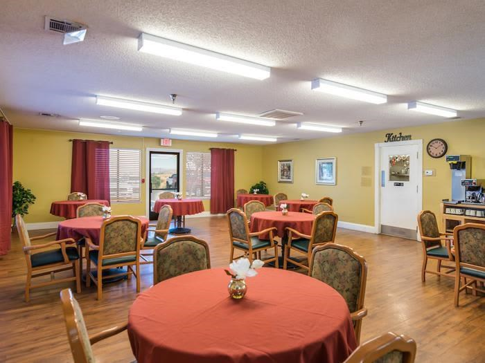 3 meals a day - Clubhouse at Sierra Vista Independent and Assisted Living in Victorville, CA