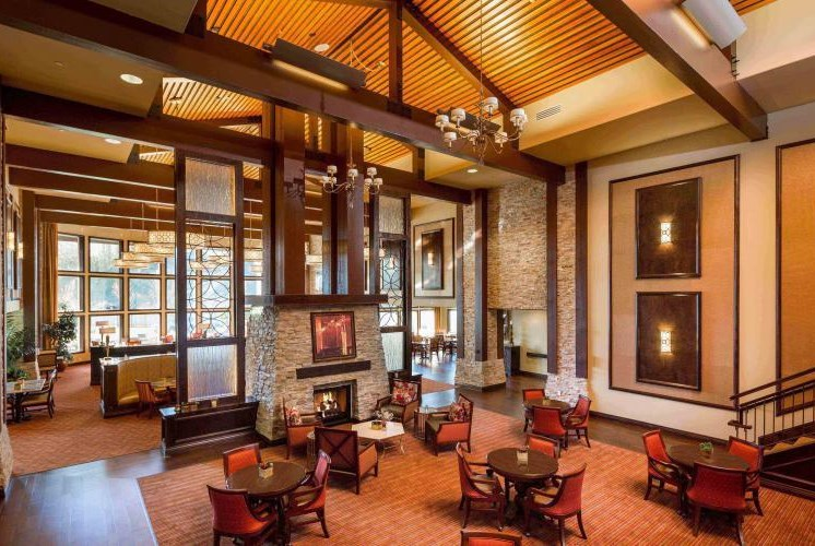 Fireside Room/Entrance Lounge at Meridian at Stone Creek, Milton