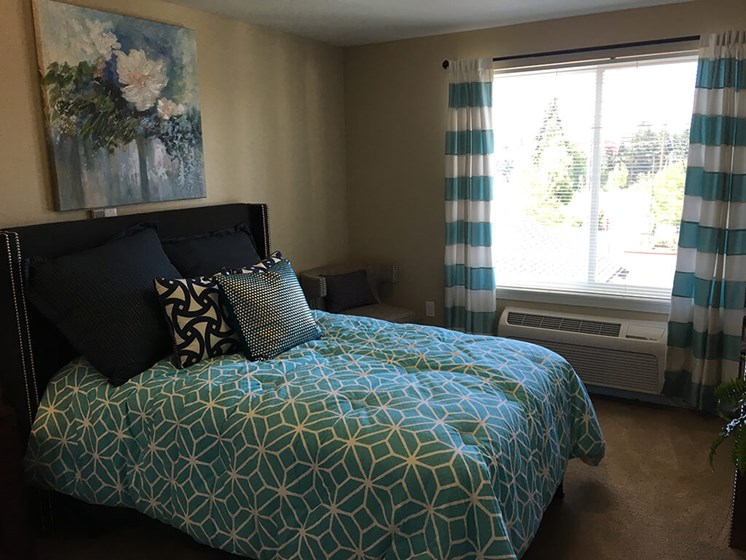 Cozy Private Bedroom at Meridian at Stone Creek, Milton, Washington