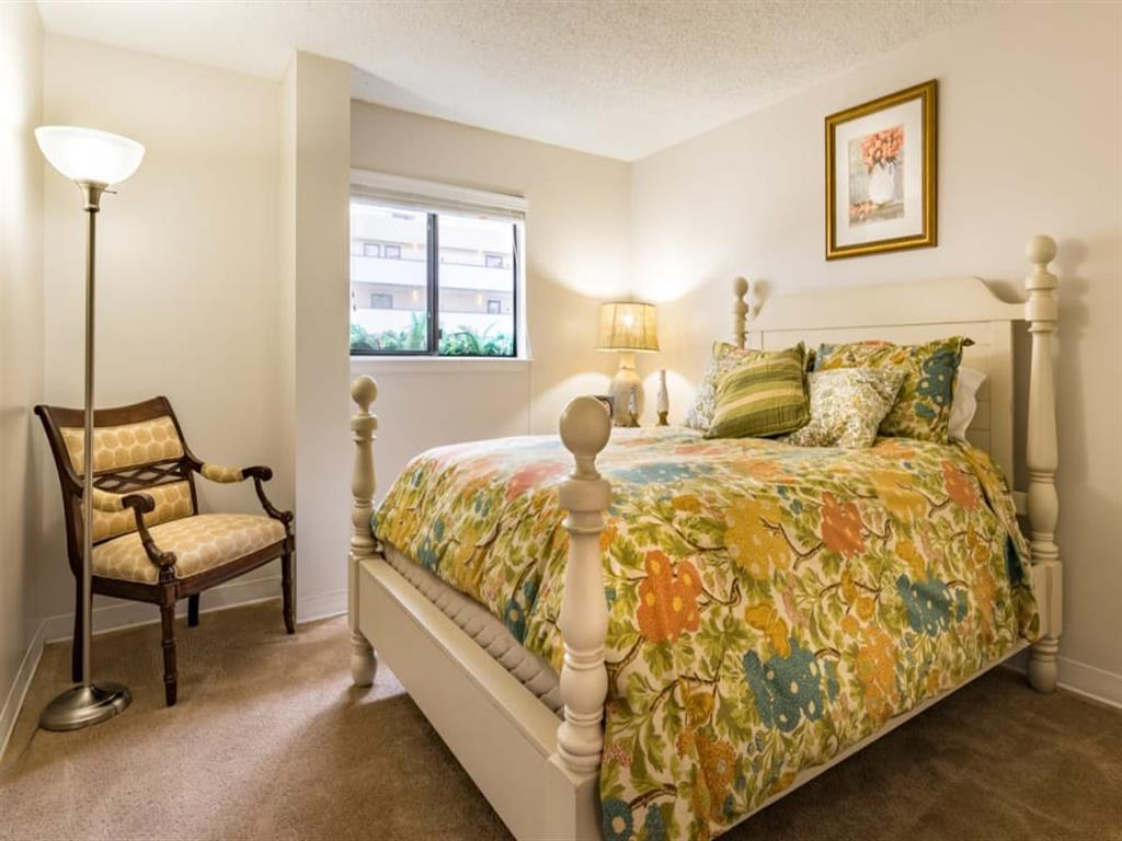 Cottage Style Decor at Meridian at Westwood, Florida