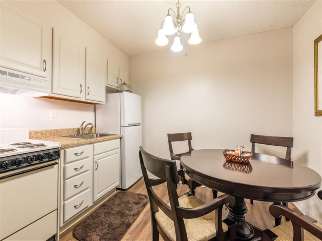 Well Equipped Kitchen And Dining at Meridian at Westwood, Ft. Walton Beach, Florida