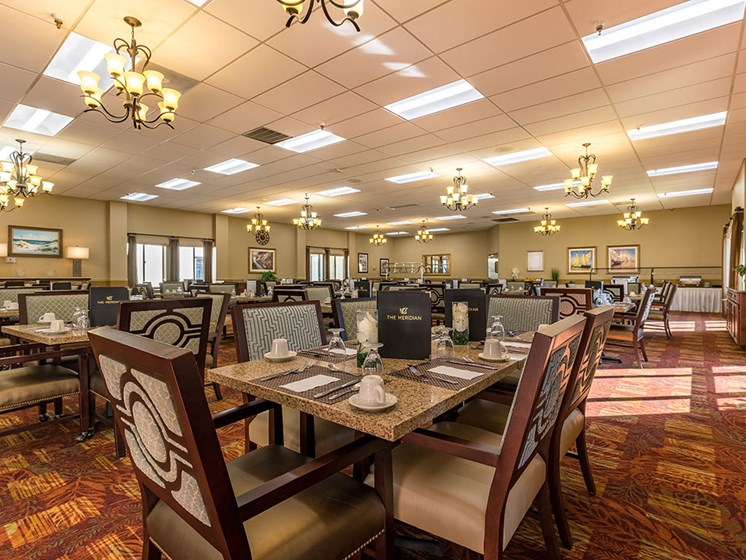 Restaurant Style Dining Room at Meridian at Westwood, Fort Walton Beach