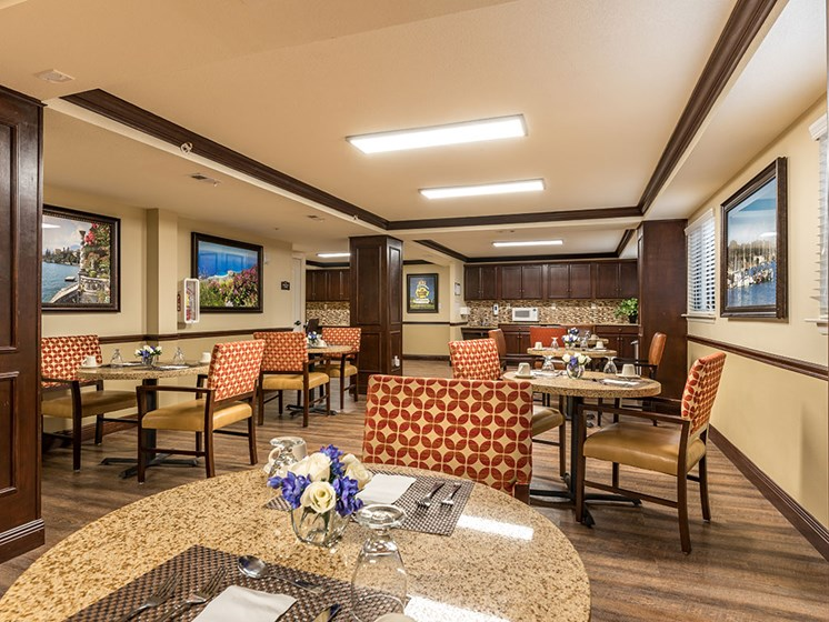 Restaurant Style Dining at Meridian at Westwood, Fort Walton Beach, Florida