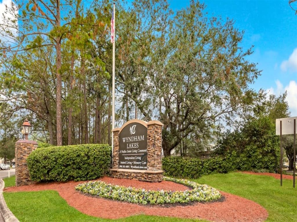 Beautiful Entryway at Wyndham Lakes in Jacksonville, FL