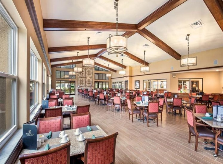 Wyndham Lakes offers a dining area in Jacksonville, FL