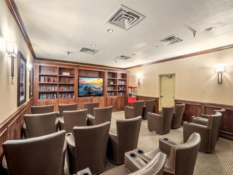 Wyndham Lakes offers a TV lounge in Jacksonville, FL