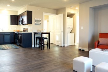 Broadview Apartment Homes 1-2 Beds Apartment for Rent Photo Gallery 1