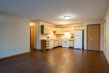 532 Forrest Street 2 Beds Apartment for Rent Photo Gallery 1