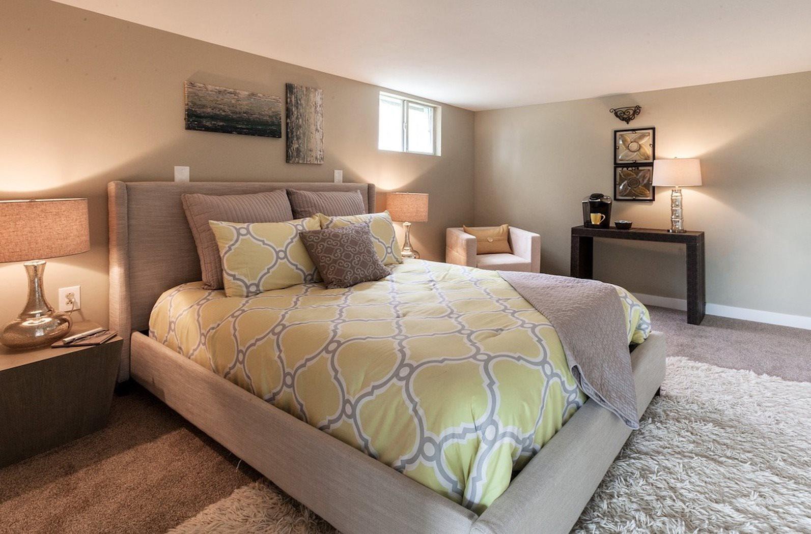 Ridge Manor Apartments in Sarasota, FL example bedroom