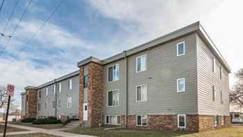 2105 West Madison Street 1-2 Beds Apartment for Rent Photo Gallery 1