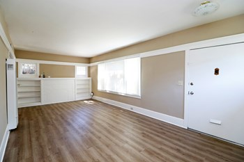 2500 Grant St 2 Beds Apartment for Rent Photo Gallery 1