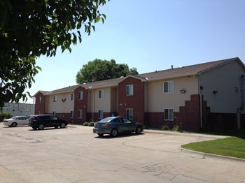 Arbor Creek Apartments 1-2 Beds Apartment for Rent Photo Gallery 1