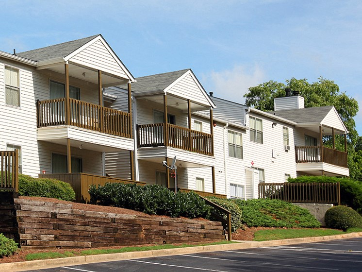 Exterior Picture of Greenhouse Apartments in Kennesaw, GA