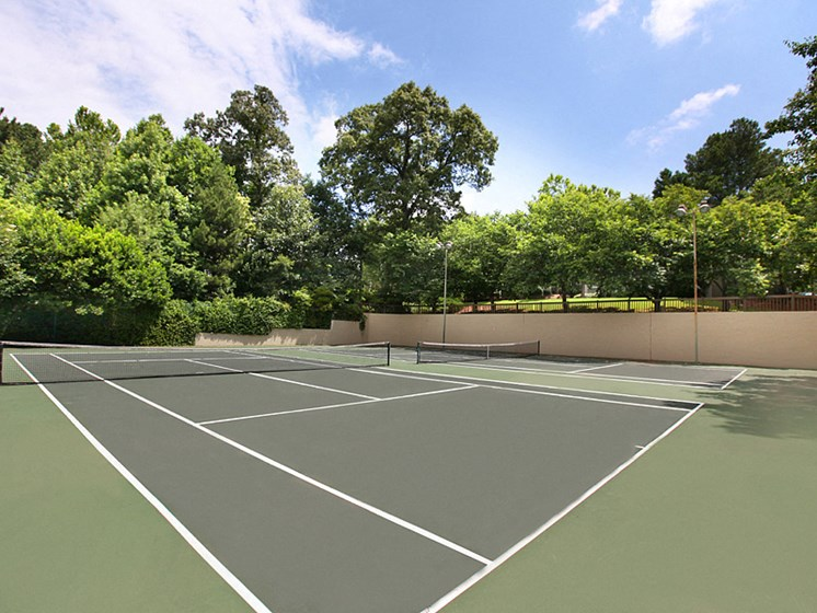 Tennis Court at greenhouse apartments