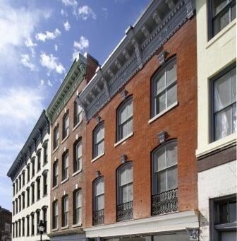1321 1/2 East Main Street Studio Apartment for Rent Photo Gallery 1