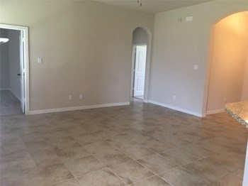 401 Kayley Ln 3 Beds House for Rent Photo Gallery 1