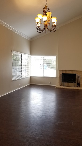 1985 Meadow Brook Ct 3 Beds House for Rent Photo Gallery 1