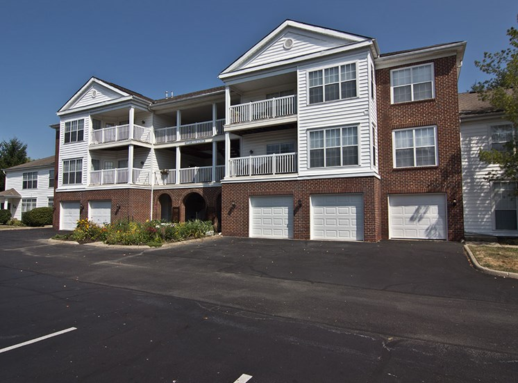 Exterior of the Orchard Apartments in Dublin OH