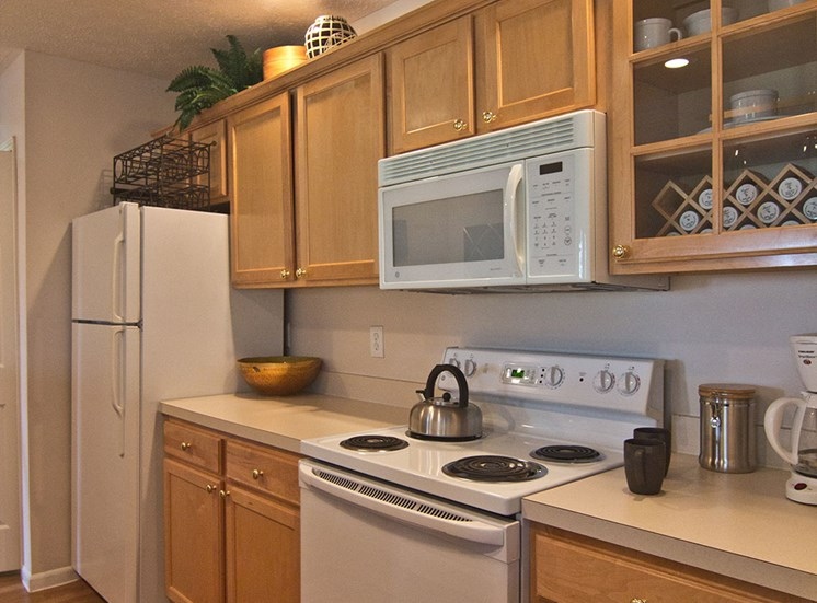 Kitchen 5 at The Orchard Apartments in Dublin OH