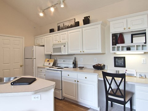 White Kitchen at Times Square Apartments in Dublin OH