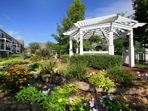 Gazebo at Times Square Apartments in Dublin OH