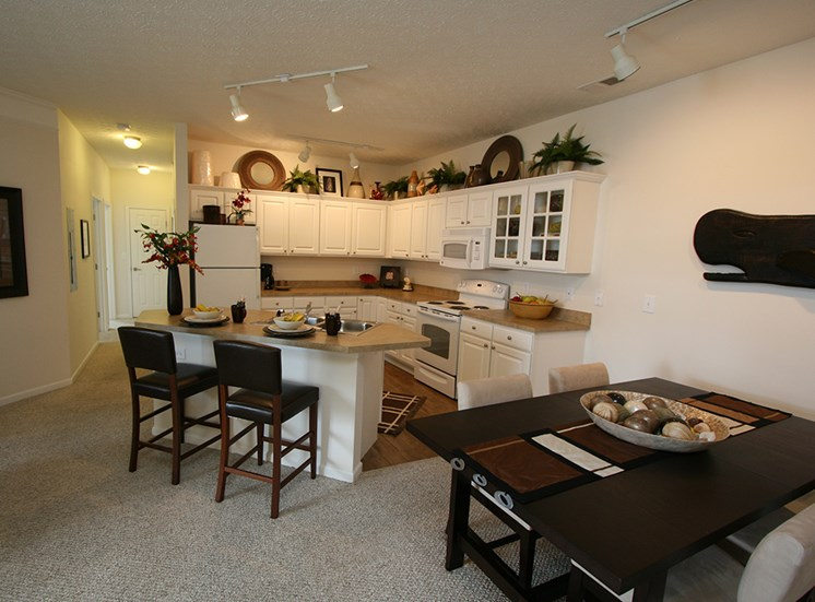 The Charleston Apartments Dining area 1
