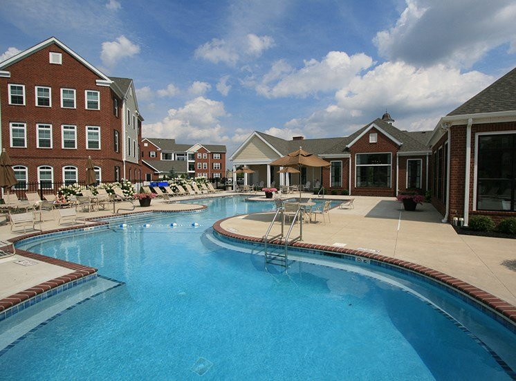 Pool  at Arlington Park Apartments