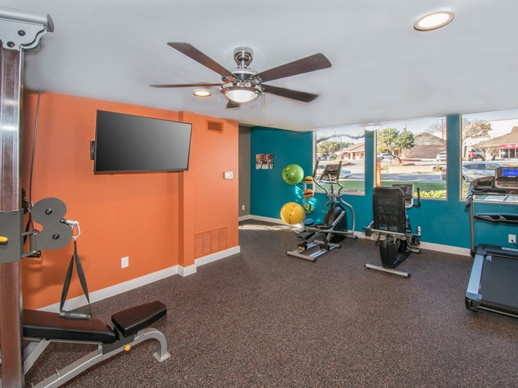 northwest san antonio apartments with fitness center