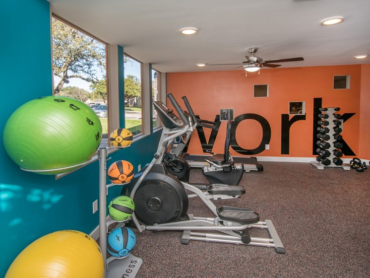 northwest san antonio apartments with a fitness center