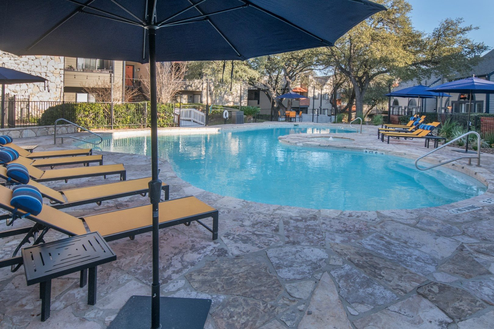 northwest san antonio apartments with pool