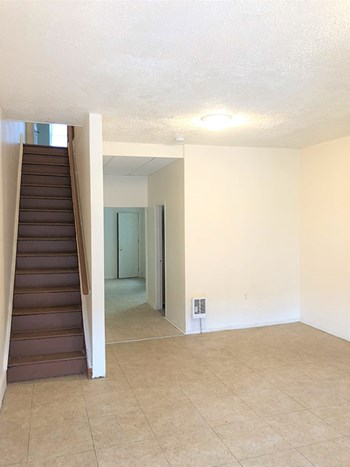 4000 N 7Th Street 2-5 Beds Apartment for Rent Photo Gallery 1