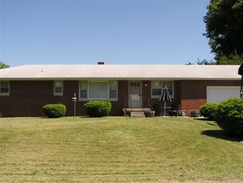 4415 East Etter Road 3 Beds House for Rent Photo Gallery 1