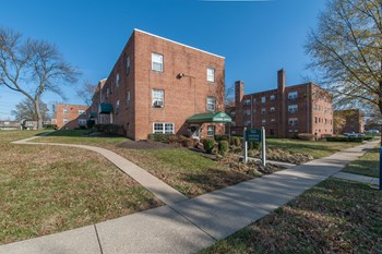 321 Thomas Drive 1-2 Beds Apartment for Rent Photo Gallery 1