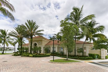 3040 SW 119 Ave 1-3 Beds Apartment for Rent Photo Gallery 1