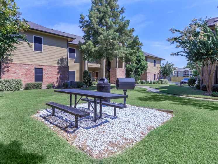 outdoor lounge apartments in seabrook tx