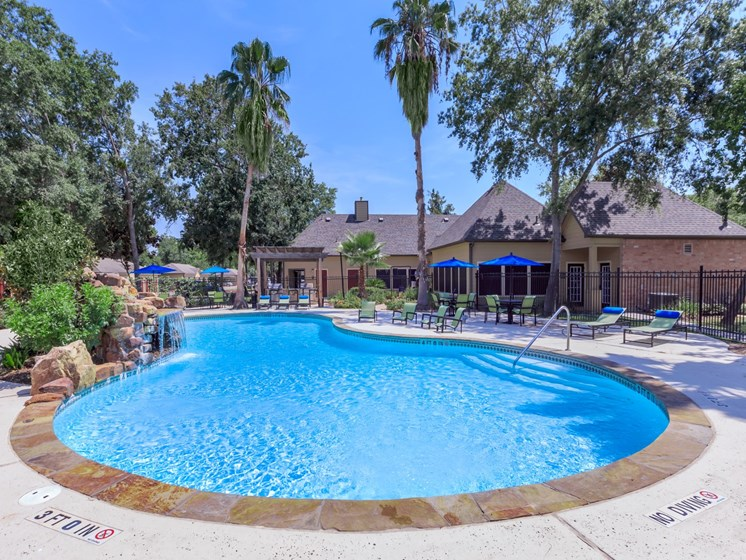apartments in seabrook tx with pool