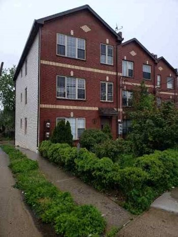 767 Fountain Avenue 2-3 Beds Apartment for Rent Photo Gallery 1