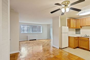809 West Broad St. Studio-2 Beds Apartment for Rent Photo Gallery 1