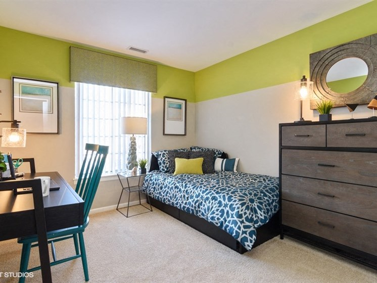 Large bedroom with large windows at Brook Run in Arlington Heights, IL
