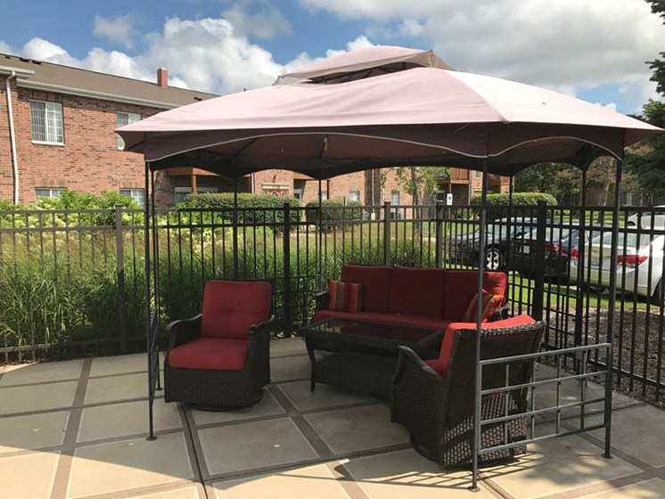 Poolside cabanas at Brook Run in Arlington Heights, IL
