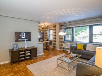1204 S Washington St 2 Beds Apartment for Rent Photo Gallery 1