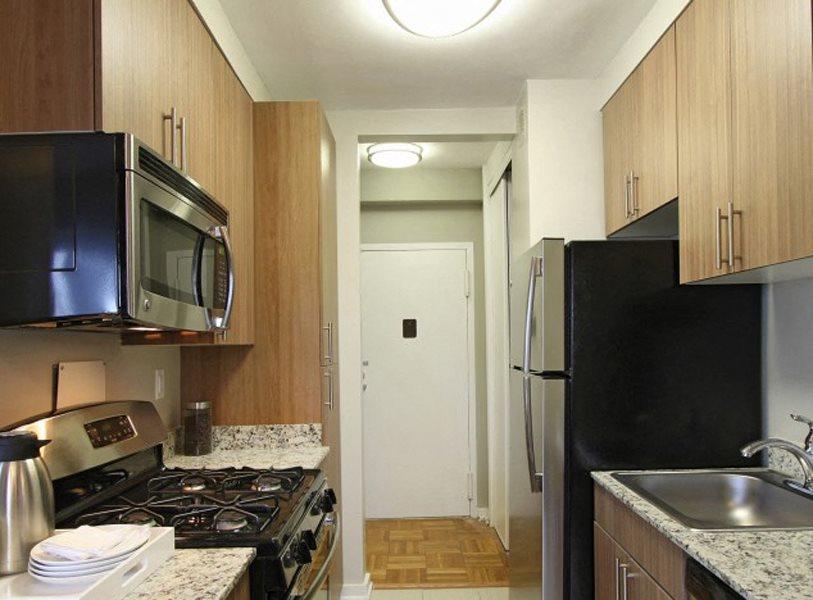 Modern kitchen with plenty of counter space at Bridgeyard in Alexandria, VA