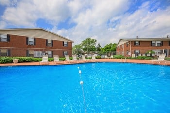 2450 Sycamore Lane 1-3 Beds Apartment for Rent Photo Gallery 1