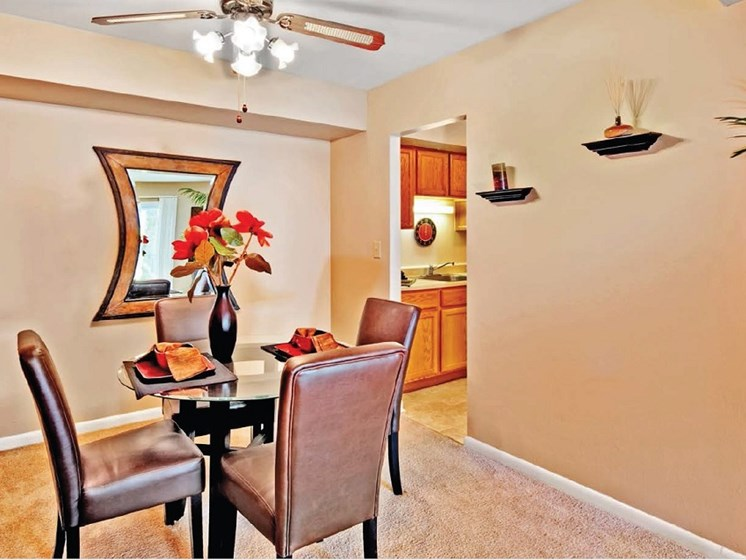 Dinning nook with ceiling fan at Highcrest Townhomes in Woodridge, IL