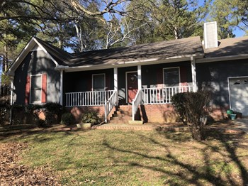 157 Greenwood Drive 3 Beds House for Rent Photo Gallery 1