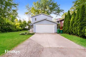 102 Beachview Dr 4 Beds House for Rent Photo Gallery 1