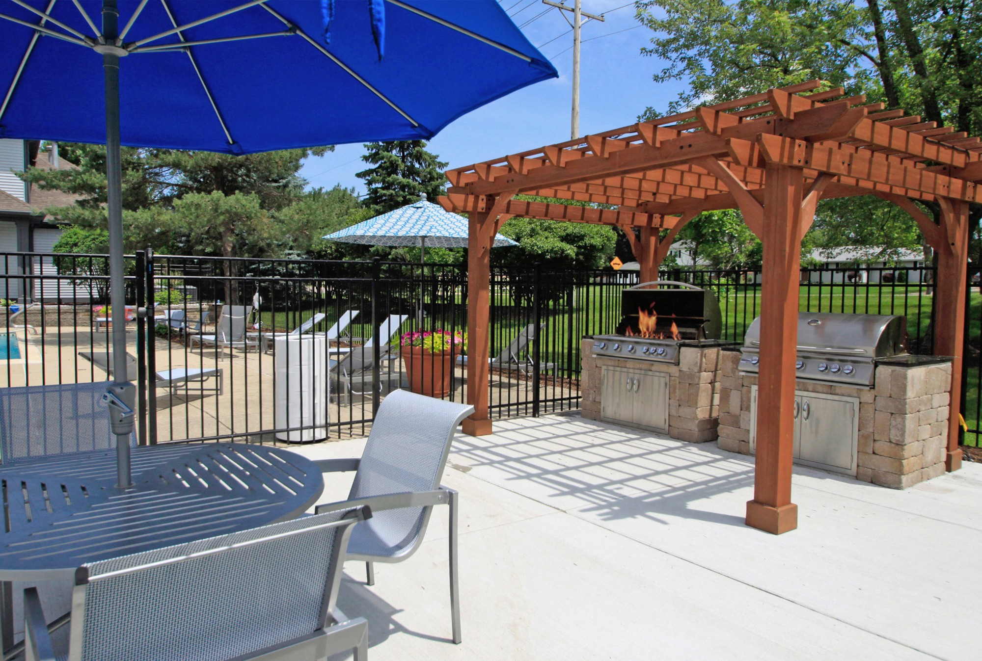 Sundeck and Grilling Area at The Clayson, Illinois, 60067